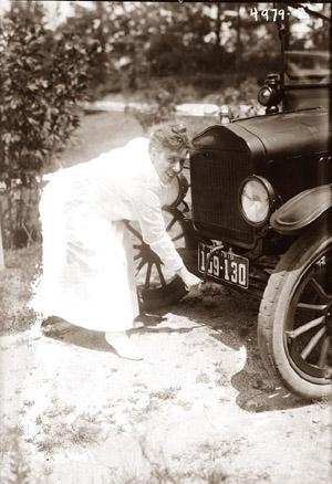 Crank-Starting-Car